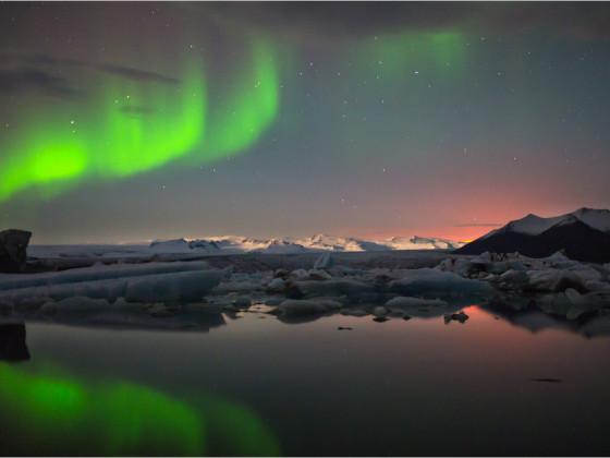 Gletschereis, Vulkanfeuer und Nordlicht.