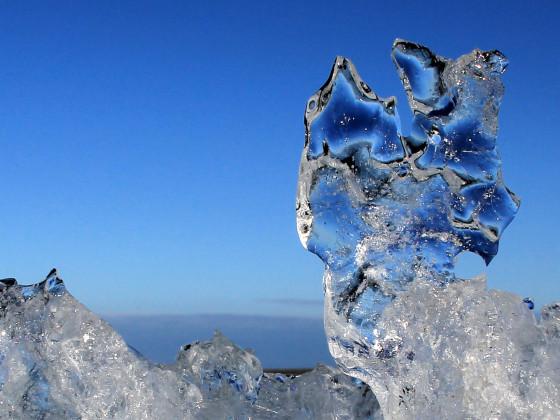 Eisskulptur für ein paar Minuten ... dann kam die nächste Welle