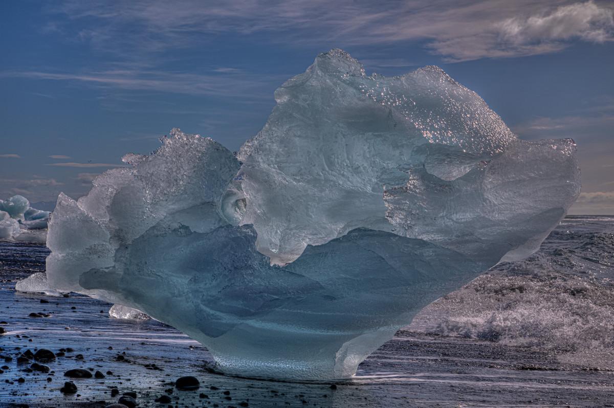 Eisberg auf dem Diamond-Beach